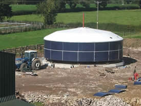 Steel tank errection; The second stage of the steel tank errection.